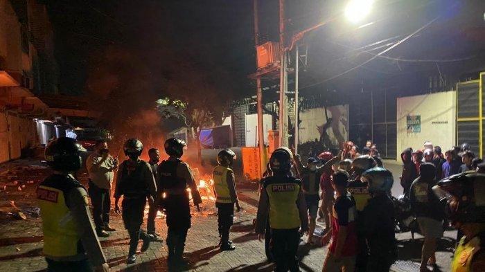 Tak Terima Diusir saat Pesta Miras, Anggota Perguruan Silat di Surabaya Bentrok dengan Satpam Ruko