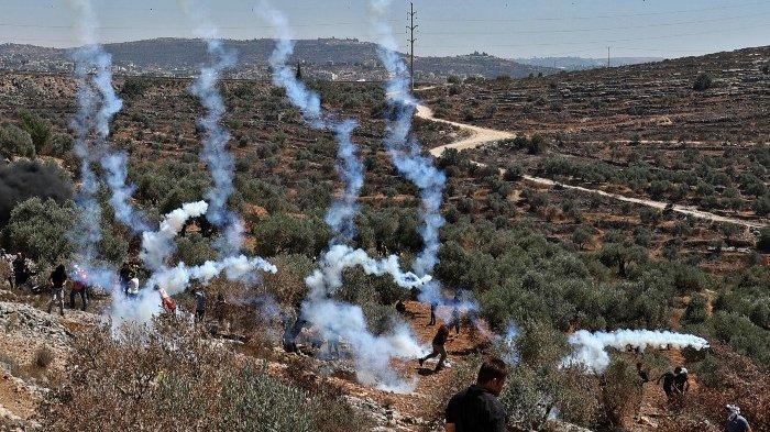 Pasukan Israel Tembaki Pengunjuk Rasa Palestina di Tepi Barat, Ratusan Orang Terluka
