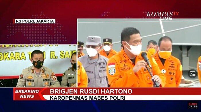 Karopenmas Mabes Polri, Brigjen Rusdi Hartono mengatakan, tim DVI berhasil mengidentifikasi satu jenazah korban jatuhnya pesawat Sriwijaya Air SJ 182.