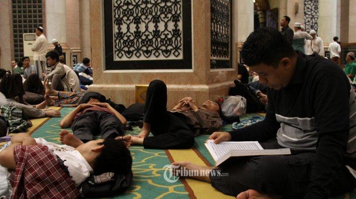 Haruskah Itikaf di Masjid Dilaksanakan Selama 10 Hari Penuh di Bulan Ramadan? Intip Penjelasannya