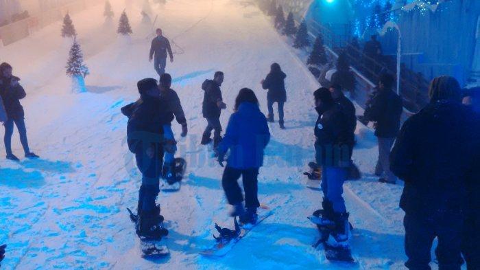 Promo Khusus Turis Indonesia di Snow City Singapura: Beli 1 Gratis 1 Tiket!