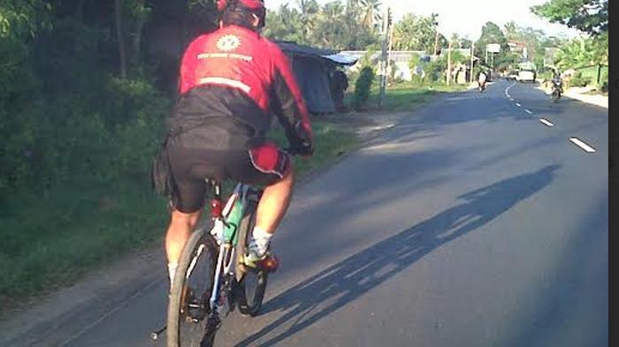 Asyik Bersepeda Lintasi Persawahan, Kebun Jagung, Perbukitan dan Pantai di Kupang