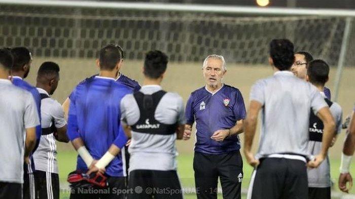 Singgung Indonesia, Bert van Marwijk Yakin Bawa Timnas UEA Lolos ke Play-off Kualifikasi Piala Dunia