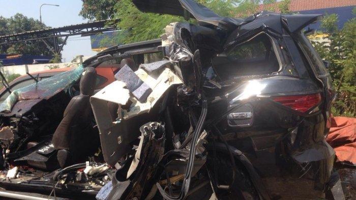 2 Teman Anak Bupati Bengkulu Tegah Korban Tewas Kecelakaan di Tol Purbaleunyi Orang Rancaekek