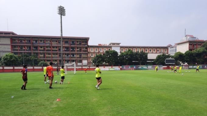 Lee Yoo-joon Ceritakan Awal Mula Digelarnya Latihan Mandiri di Stadion PTIK