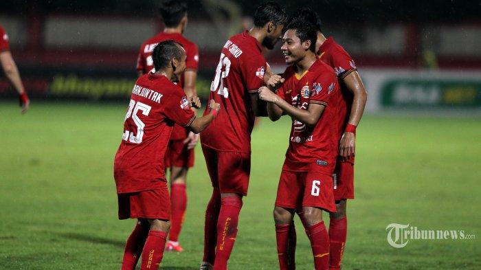 Pemain Persija Jakarta Evan Dimas Merayakan golnya ke gawang Bhayangkara FC dalam pertandingan lanjutan Liga 1 di Stadion PTIK, Jakarta, Sabtu (14/3/2020). Pertandingan berakhir imbang 2-2 antar sesama tim asal Jakarta tersebut. TRIBUNNEWS/DANY PERMANA