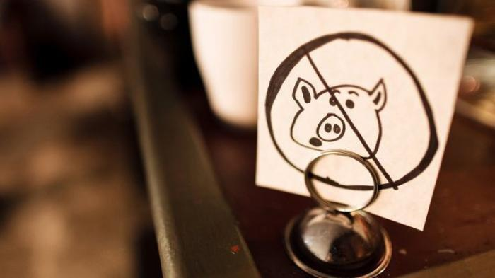 Biar Gak Salah Makan, Ini 33 Istilah Daging Babi dalam Makanan, Bukan Cuma 'Pork' atau 'Ham'