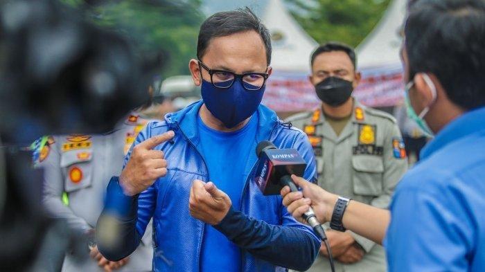 Wali Kota Bogor, Bima Arya mengatakan terjadi penurunan mobilitas warga dan kasus positif Covid-19 selama penerapan ganjil genap.