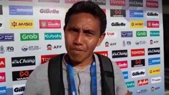 Pelatih Timnas Indonesia U-15 Bima Sakti saat diwawancarai seusai laga kontra Timor Leste di di IPE Stadium, Chonburi, Rabu (31/7/2019). Dok: PSSI