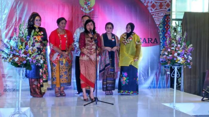 Generasi Muda Ujung Tombak Pelestarian 'Kain Etnik Nusantara'