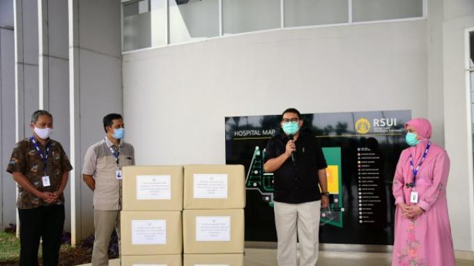 BKSAP DPR Serahkan Masker dari Parlemen Vietnam ke RSUI
