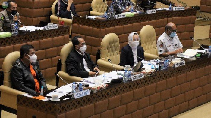 Rapat Dengar Pendapat bersama Komisi V DPR RI di Kompleks Parlemen, Senayan, Jakarta, Rabu (3/2/2021).