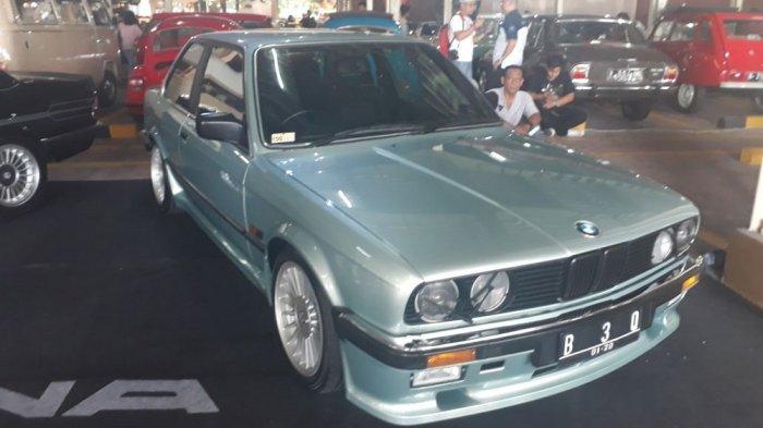 Mau Mobil Klasik Bisa Lolos Uji Emisi? Silakan Geser ke BMW Astra Cilandak