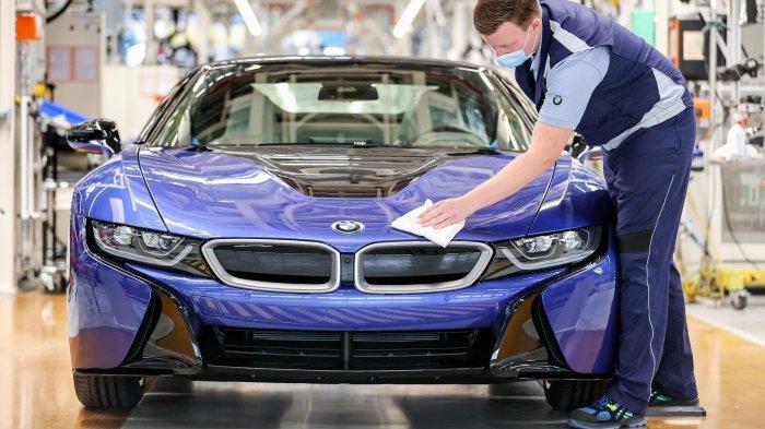 BMW Stop Produksi Mobil Sport Hybrid i8