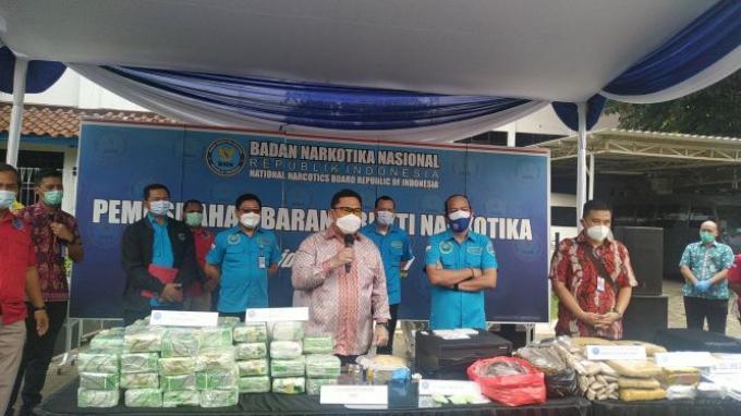 Dipimpin Komjen Petrus, BNN Musnahkan Barbuk Sabu-Ekstasi dari 3 Kasus Narkoba di Tanah Sumatra