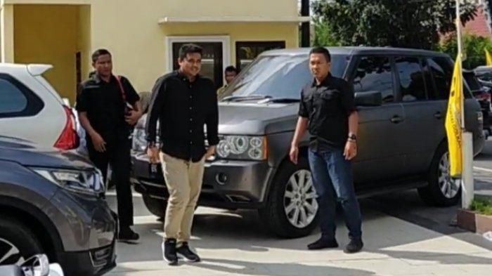 Bobby Nasution bersama Maruli Siahaan saat di Fit and Propert test bakal calon (Balon) Bupati/Wakil Bupati dan Walikota/Wakil Walikota, Senin (20/1/2020) di Kantor DPD Golkar Sumut, Jalan KH Wahid Hasyim, Medan