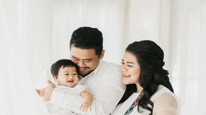 Intip Potret Gemas Cucu Jokowi, Sedah Mirah Nasution dalam Balutan Busana Adat Batak