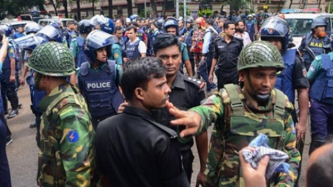 Sebanyak 28 Orang Tewas Dalam Serangan Brutal di Kafe Bangladesh