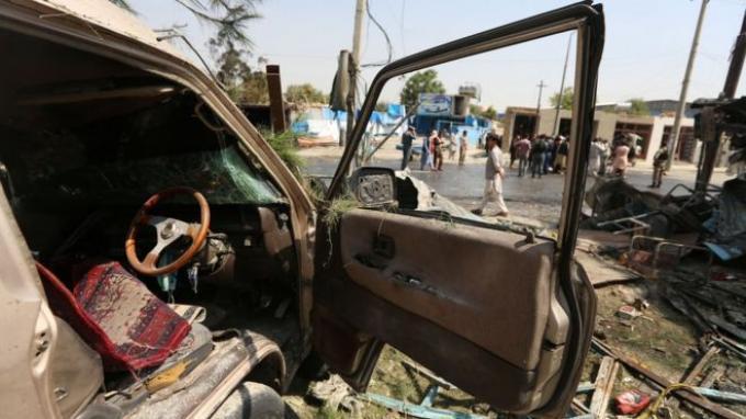 Pengeboman itu terjadi ketika para pejabat Afghanistan dan Taliban bersiap untuk memulai pembicaraan