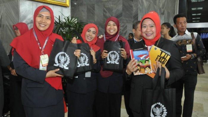 Booth Pameran MPR Laris Manis Diserbu Pengunjung Sidang Tahunan MPR 2019