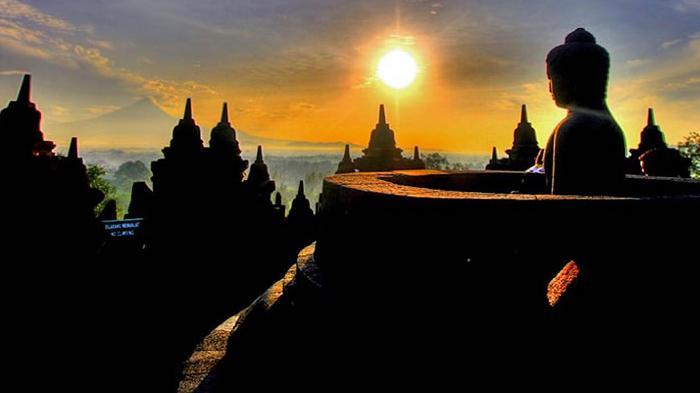 Menikmati Sunrise Candi Borobudur dari Enam Bukit