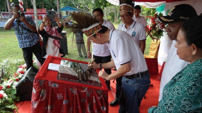 Kampung Yokiwa Resmi Jadi Desa Sadar Jaminan Sosial Ketenagakerjaan
