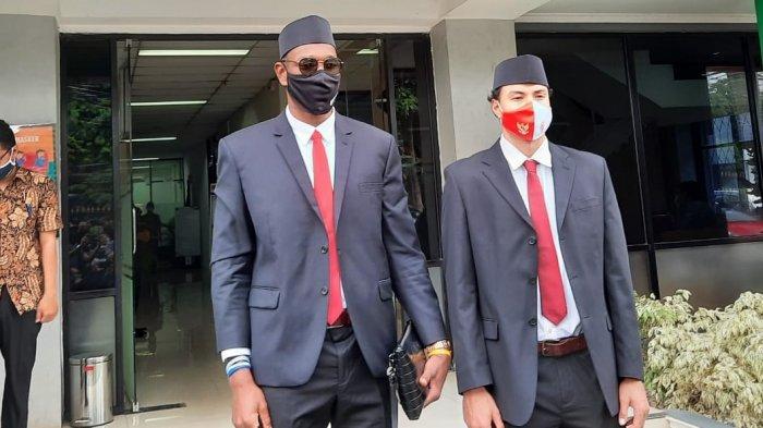Dua pebasket asing, Brandon Van Dorn Jawato dan Lester Prosper resmi menjadi Warga Negara Indonesia usai mengucap sumpah setia di Kantor Wilayah Kemenkumham Jakarta, Kamis (12/11/2020).