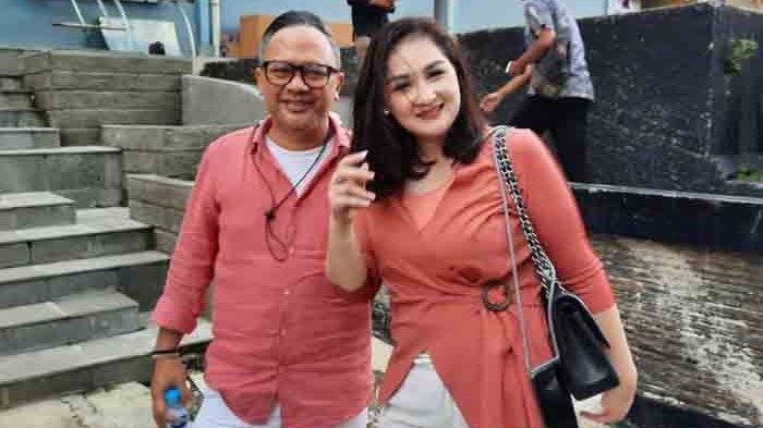 Mona Ratuliu Beri Hadiah Bulan Madu ke Bali untuk Kesha Ratuliu dan Adhi Permana