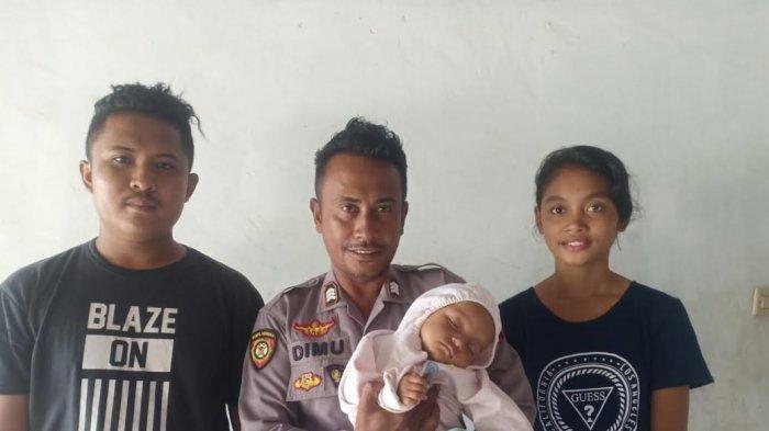 Brigpol Alfred Dimu (tengah) saat foto bersama korban dan kedua orang tuanya, Sabtu (4/1/2020).