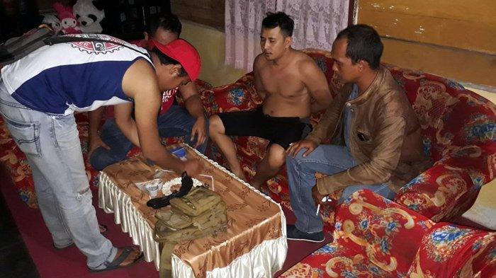 Warga Gabek Pangkalpinang Digerebek Polisi Sedang Menunggu Pembeli Sabu-sabu