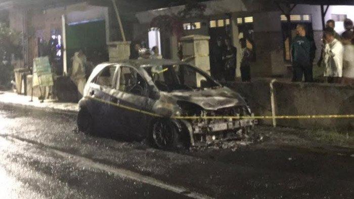 Hati-hati Setting Audio Mobil, Brio Ini Terbakar Habis Setelah Diduga Alami Korsleting