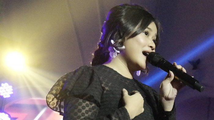 Brisia Jodie saat tampil dalam Konser Ari Lasso - Mengejar Matahari di The Pallas, SCBD, Jakarta Selatan, Rabu (3/10/2018) malam.