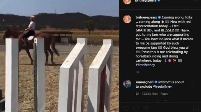 Britney Spears terlihat berulang kali melakukan jungkir balik di rumput dan menunggang kuda, dengan lagu