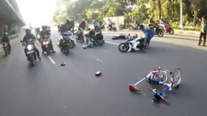 Pengendara Sepeda Brompton Ditabrak Vario di TB Simatupang hingga Tergeletak di Tengah Jalan