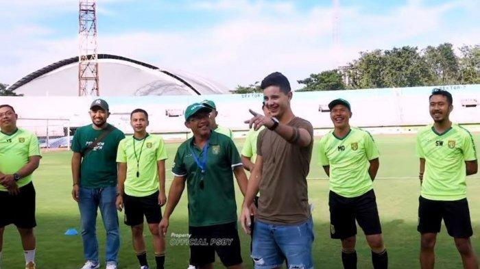 Bruno Moreira saat memperkenalkan diri pada rekan setimnya