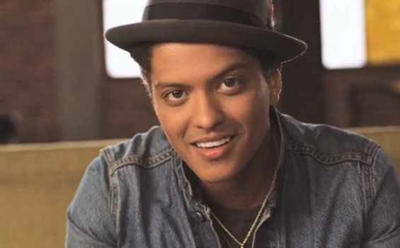 Chord Gitar Lagu Talking to the Moon - Bruno Mars, Lengkap dengan Liriknya