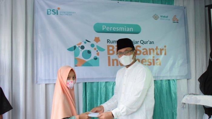Bank Syariah Indonesia dan Yayasan BSMU Resmikan Rumah Belajar Quran Bina Santri