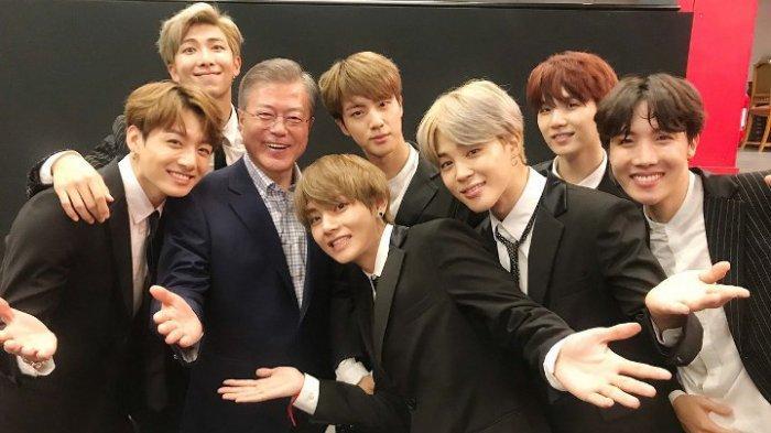 BTS Dapat Pesan Manis dari Presiden Moon Jae-in seusai Pecahkan Rekor Billboard, Ukir Sejarah Baru