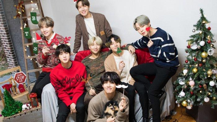 Berita Populer: Foto-foto Natal BTS, Yeontan Anjing Milik V Ikut Berpose