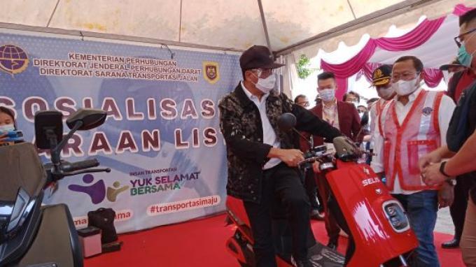Menteri Budi Karya Upayakan Kendaraan Listrik Jadi Kebutuhan Massal