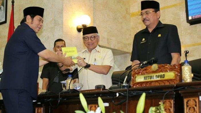 Pemprov Kalsel Ajukan Rancangan Peraturan Daerah Tentang Retribusi Jasa Umum ke DPRD Kalsel