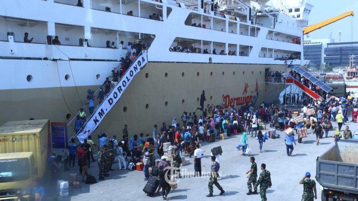 Pelni Tambah Rute KM Dorolonda Menuju Pulau Morotai