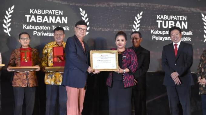 Tabanan Kembali Jadi Kabupaten Terbaik Pariwisata di Ajang Indonesia's Attractiveness Award