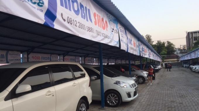 Bursa mobil bekas Carsentro Semarang