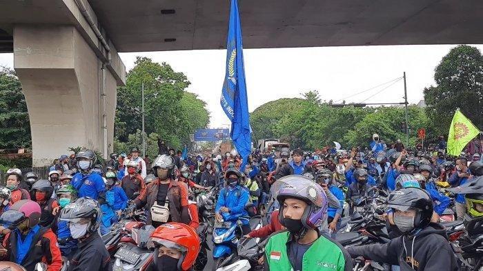 Hendak Demo UU Kerja di Jakarta, Ribuan Buruh Tertahan, Jalan di Sekitar Pemkot Bekasi Lumpuh