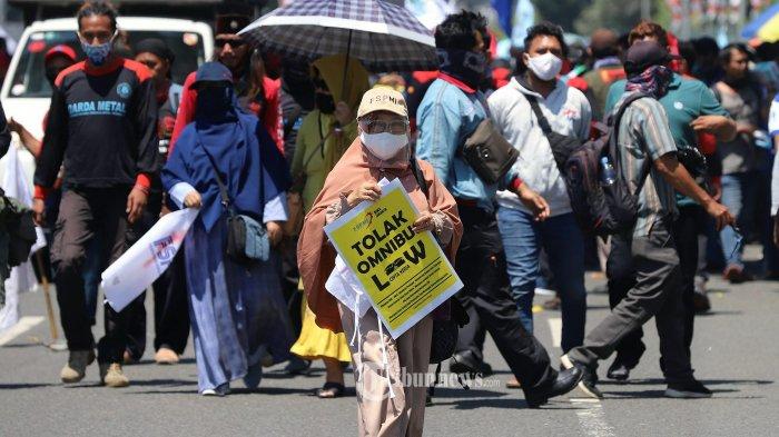 Temui Pengunjuk Rasa RUU Ciptaker, Sufmi Dasco Janji Perjuangkan Aspirasi Buruh