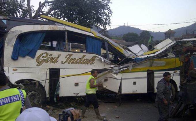 Sopir Bus Maut  Dibui 12 Tahun