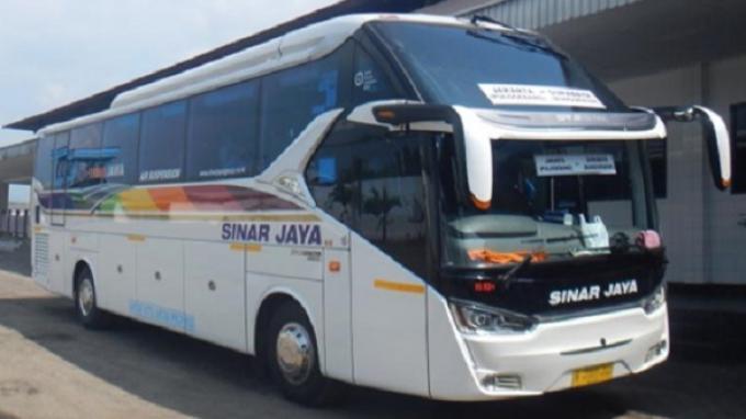 Kapasitas Oli Lebih Kecil, Bus Hino RN 285 Mumpuni untuk Transportasi AKAP Via Tol Trans Jawa