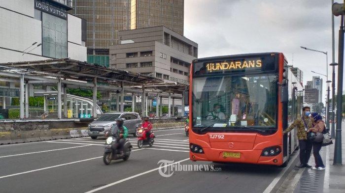 Naik Bus TransJakarta Bisa Dapat Cashback 50%, Ini Syaratnya