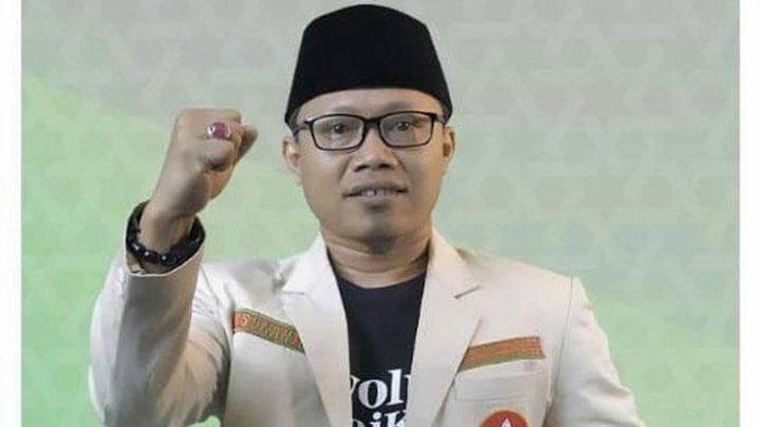 Ketua Umum (Ketum) Pimpinan Pusat (PP) Pemuda Muhammadiyah, Sunanto atau Cak Nanto, mendorong para kader untuk menggunakan hak suara dalam Pilkada Serentak, Rabu (9/12/2020) mendatang.